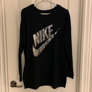 Nike sweatshirt tunic black with silver Med